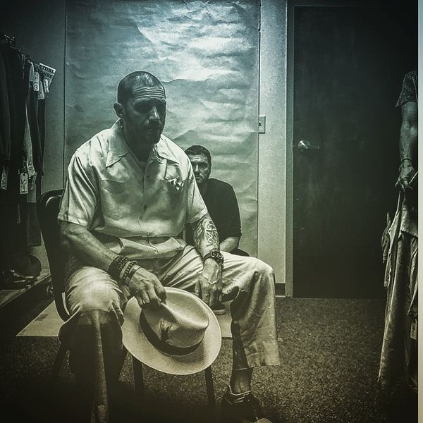 """Том Харди выложил первые снимки образа Аль Капоне для фильма """"Фонзо"""""""