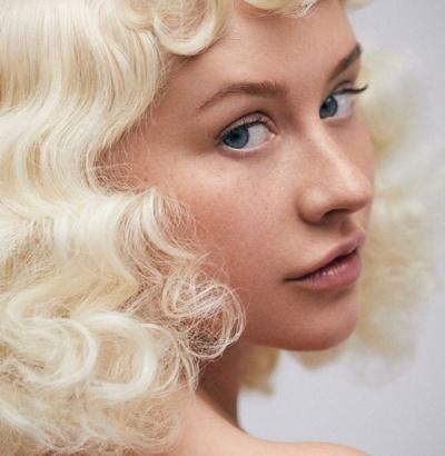 Кристина Агилера поразила естественной красотой