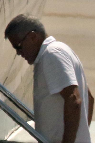 Испорченный отпуск: Джордж и Амаль Клуни с детьми покинули Сардинию