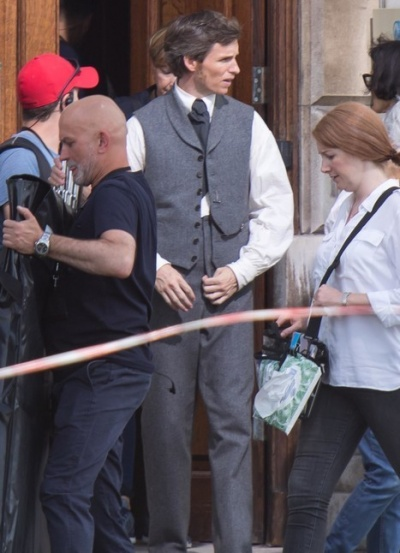 """Эдди Редмэйн и Фелисити Джонс на съемках фильма """"Аэронавты"""""""